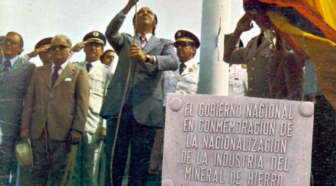 AÑO 1975 El Presidente Carlos Andrés Pérez NACIONALIZÓ EL HIERRO VENEZOLANO