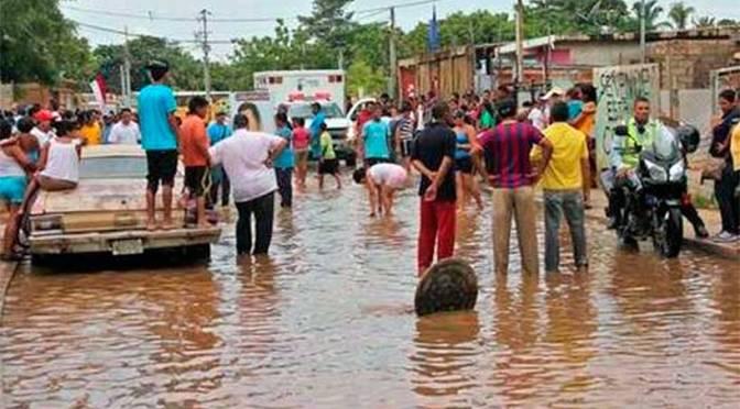AÑO 1999: FVF brinda ayuda a los damnificados de las lluvias caídas en Venezuela